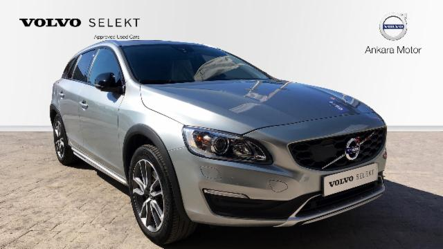 VOLVO V60 CROSS COUNTRY 2.0 D4 MOMENTUM AUTO 5P